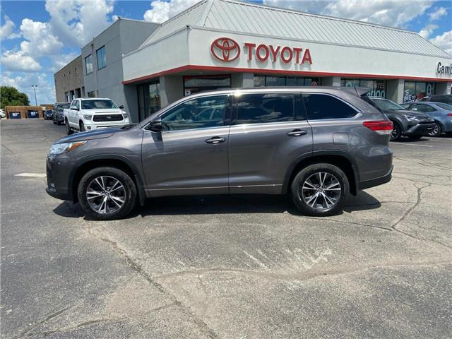 2017 Toyota Highlander LE (Stk: 2006492) in Cambridge - Image 1 of 13