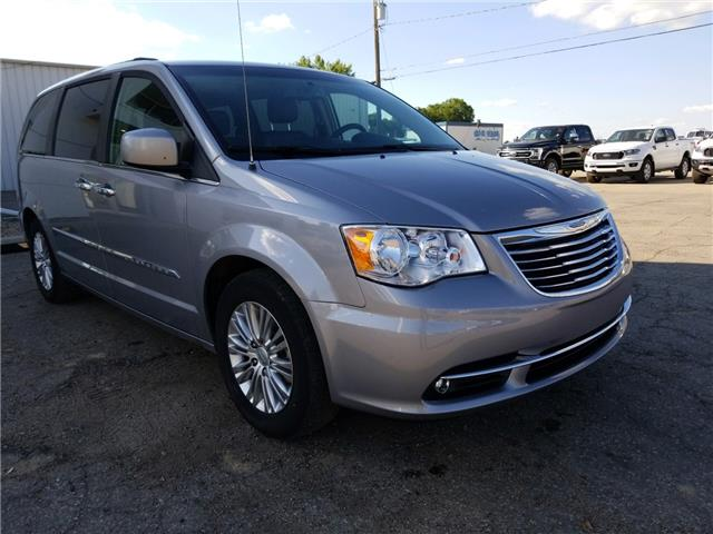 2015 Chrysler Town & Country Touring-L 2C4RC1CG4FR693165 20U134A in Wilkie