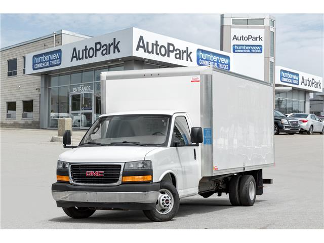 2017 GMC Savana Cutaway 3500 1WT (Stk: CTDR3906) in Mississauga - Image 1 of 17