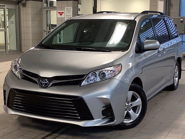 2020 Toyota Sienna LE 8-Passenger (Stk: 22399) in Kingston - Image 1 of 27