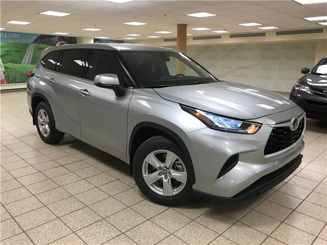 2020 Toyota Highlander LE (Stk: 201399) in Calgary - Image 1 of 22
