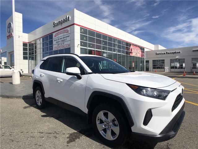 2019 Toyota RAV4 LE (Stk: 200956A) in Calgary - Image 1 of 21