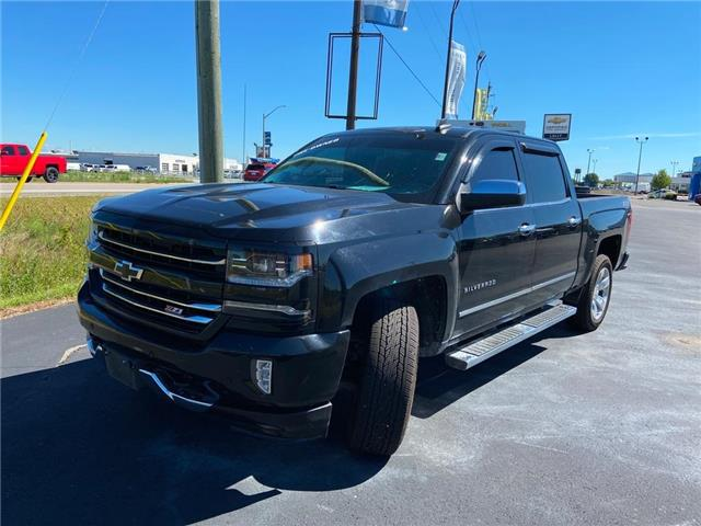 2018 Chevrolet Silverado 1500 2LZ, Bose, Rev cam, Leather, Sunroof, Heated seats (Stk: 00187A) in Tilbury - Image 1 of 2