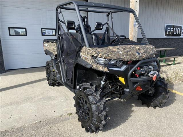 2021 Can-Am Defender X mr HD10 Mossy Oak Break-Up Country Camo  (Stk: SXS21-000498) in YORKTON - Image 1 of 6
