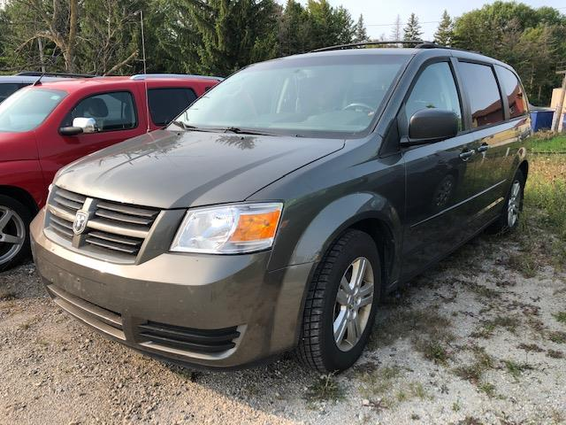 2010 Dodge Grand Caravan SE (Stk: 325328) in Milton - Image 1 of 1