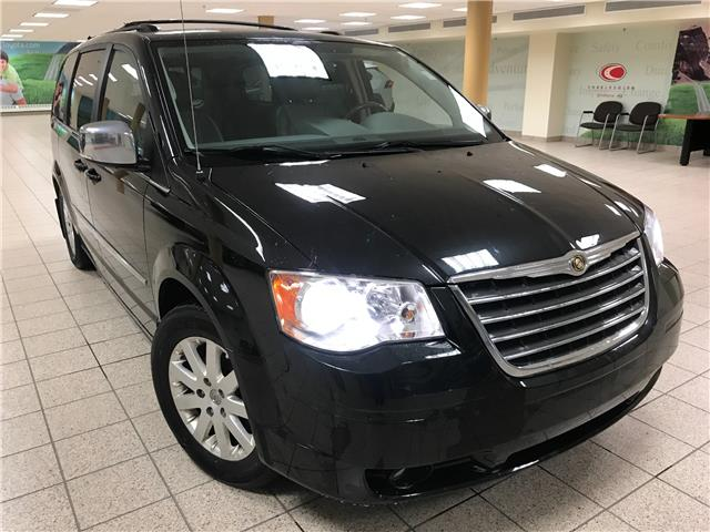 2010 Chrysler Town & Country Touring (Stk: 201235A) in Calgary - Image 1 of 18