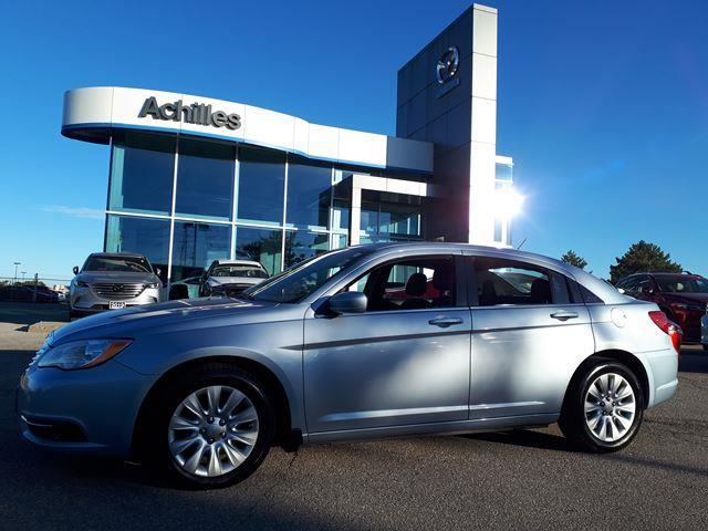 2012 Chrysler 200 LX (Stk: H2103A) in Milton - Image 1 of 13