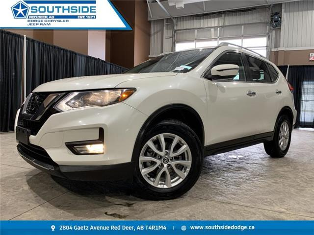 2018 Nissan Rogue SV (Stk: 14549A) in Red Deer - Image 1 of 20
