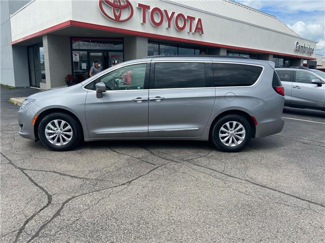 2017 Chrysler Pacifica Touring-L (Stk: 2008131) in Cambridge - Image 1 of 15
