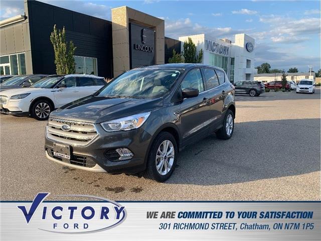 2019 Ford Escape SE (Stk: V19499B) in Chatham - Image 1 of 16