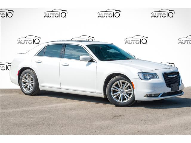2016 Chrysler 300 Touring (Stk: 27729U) in Barrie - Image 1 of 7