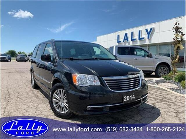 2014 Chrysler Town & Country Touring-L (Stk: 26525B) in Tilbury - Image 1 of 18