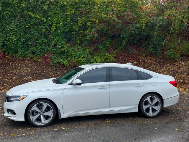 2019 Honda Accord Touring 2.0T (Stk: K1103B) in London - Image 1 of 15