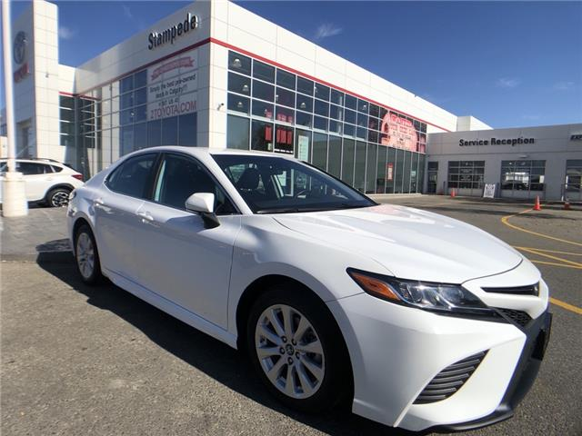 2019 Toyota Camry SE (Stk: 9233A) in Calgary - Image 1 of 20