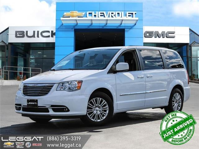 2016 Chrysler Town & Country Touring-L (Stk: 206536A) in Burlington - Image 1 of 21