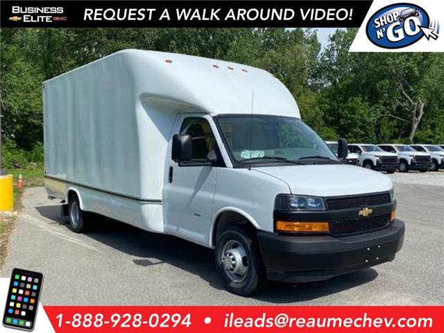 2020 Chevrolet Express Cutaway Work Van (Stk: 20-0288) in LaSalle - Image 1 of 27