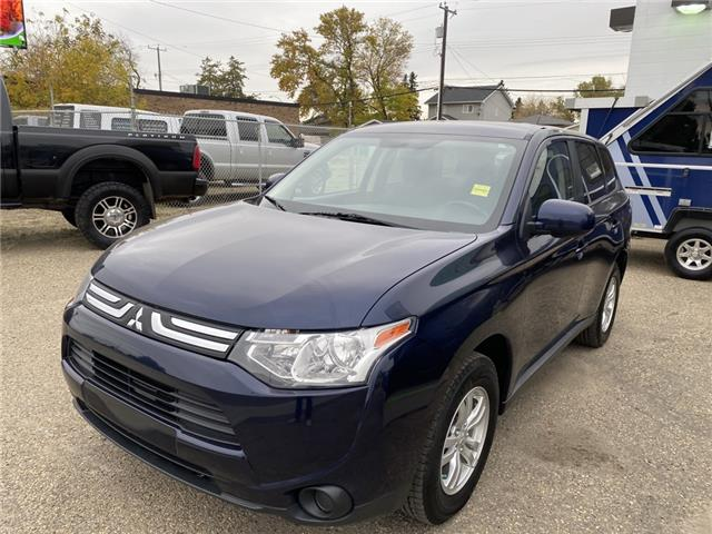 2014 Mitsubishi Outlander ES (Stk: HW1021) in Fort Saskatchewan - Image 1 of 23