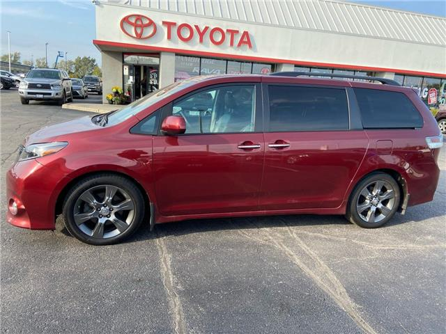 2016 Toyota Sienna  (Stk: 2009871) in Cambridge - Image 1 of 14
