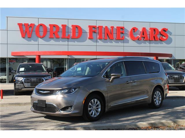 2018 Chrysler Pacifica Touring-L Plus (Stk: 17525) in Toronto - Image 1 of 25