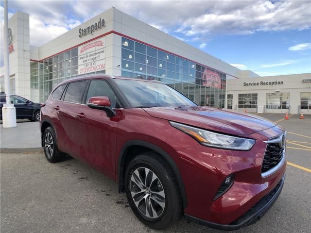 2020 Toyota Highlander XLE (Stk: 9245A) in Calgary - Image 1 of 13