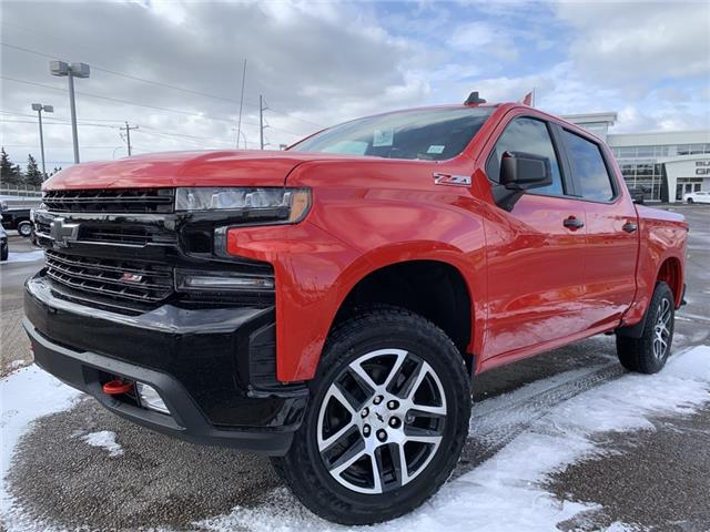 2020 Chevrolet Silverado 1500 LT Trail Boss (Stk: LZ328289) in Calgary - Image 1 of 30