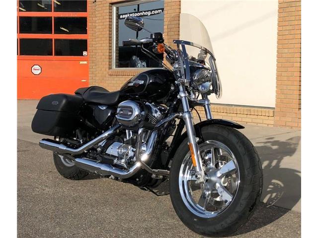 2015 Harley-Davidson XL1200C - Sportster® 1200 Custom  (Stk: XL1200C-15-4350) in Saskatoon - Image 1 of 11