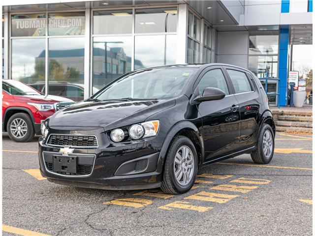 2016 Chevrolet Sonic LT Auto (Stk: P9826B) in Ottawa - Image 1 of 13