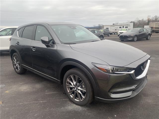 2019 Mazda CX-5 Signature w/Diesel (Stk: 219-112) in Pembroke - Image 1 of 1