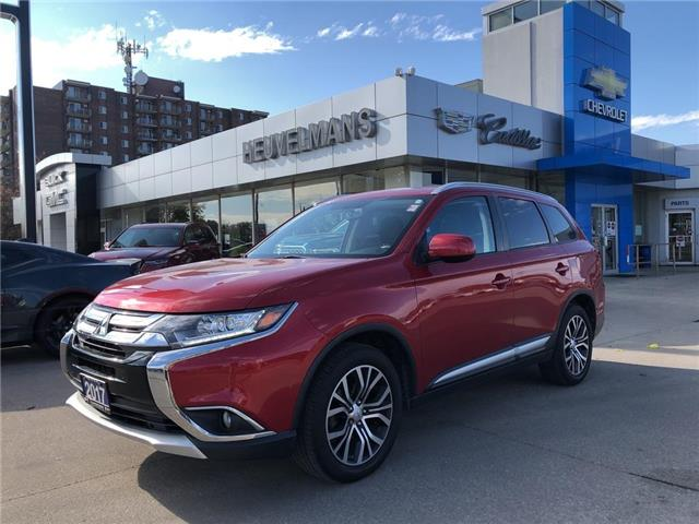 2017 Mitsubishi Outlander ES (Stk: L142A) in Chatham - Image 1 of 21