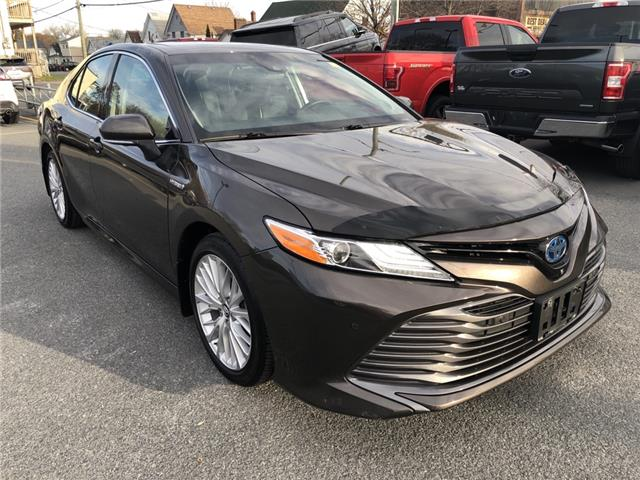 2018 Toyota Camry Hybrid  (Stk: 20310A) in Cornwall - Image 1 of 30