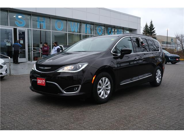 2017 Chrysler Pacifica Touring-L (Stk: 2009461) in Ottawa - Image 1 of 15