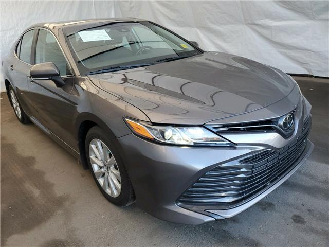 2019 Toyota Camry LE (Stk: IU2066) in Thunder Bay - Image 1 of 17