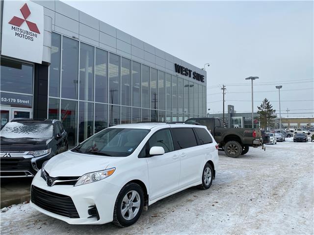 2019 Toyota Sienna LE 8-Passenger (Stk: K3355) in Edmonton - Image 1 of 24