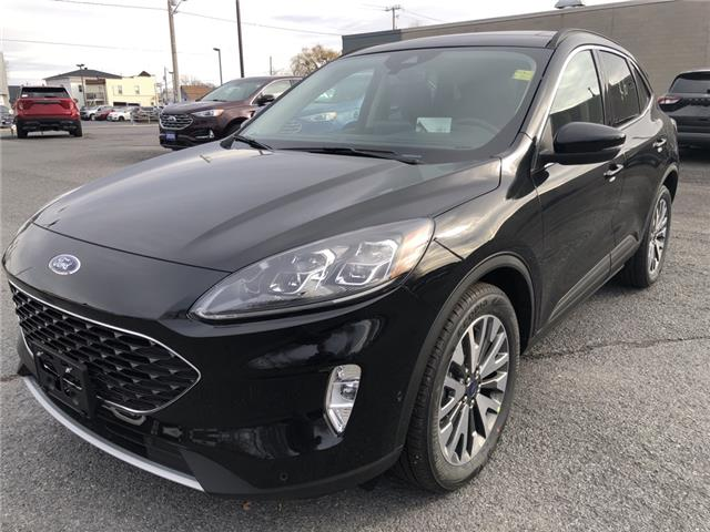 2020 Ford Escape Titanium Hybrid (Stk: 20395) in Cornwall - Image 1 of 12