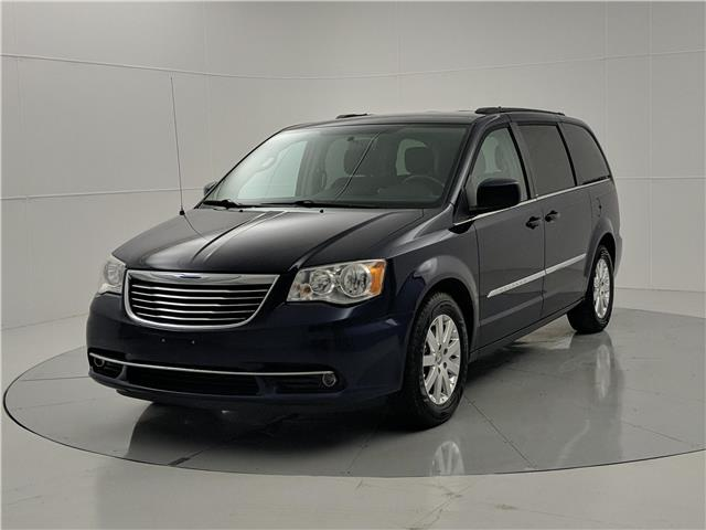 2013 Chrysler Town & Country Touring (Stk: F3MHBC) in Winnipeg - Image 1 of 26