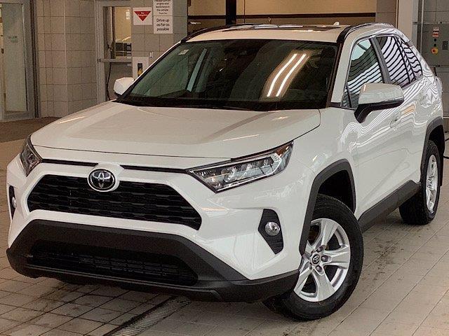 2020 Toyota RAV4 XLE (Stk: 22073) in Kingston - Image 1 of 29