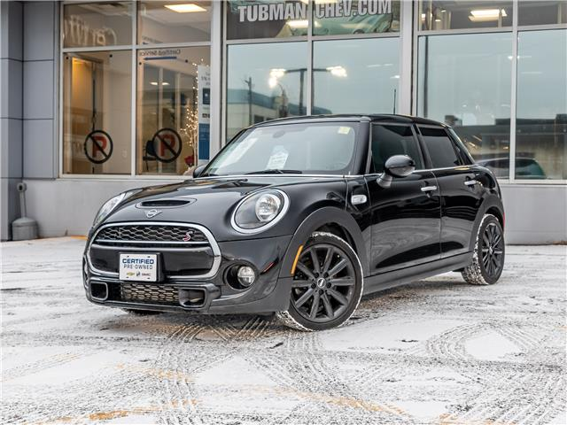 2019 MINI 5 Door Cooper S (Stk: P9756) in Ottawa - Image 1 of 13