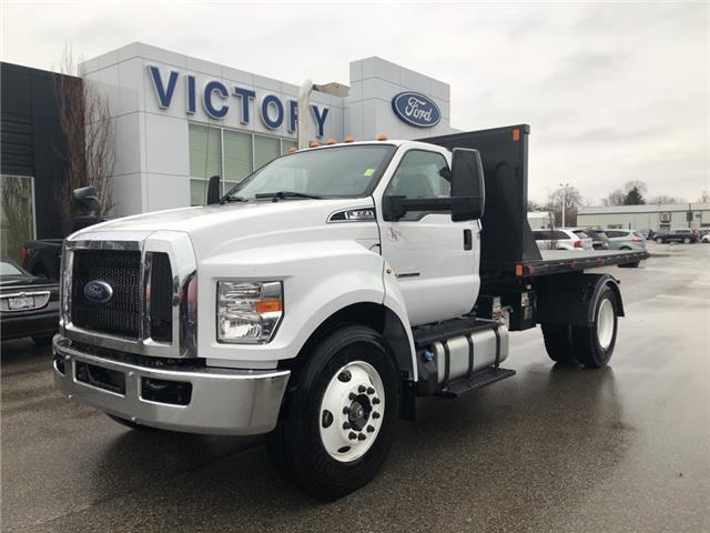 2019 Ford SUPER DUTY F-650 STRAIGHT FRAME BASE (Stk: VFF19935) in Chatham - Image 1 of 11