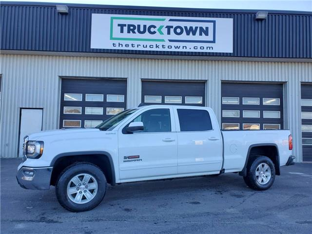 2018 GMC Sierra 1500 SLE (Stk: T0102) in Smiths Falls - Image 1 of 20