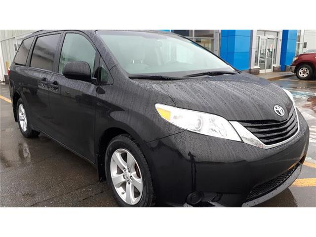 2017 Toyota Sienna LE 8 Passenger (Stk: GW66071) in St. Johns - Image 1 of 16