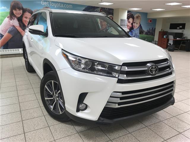 2018 Toyota Highlander XLE (Stk: 210178A) in Calgary - Image 1 of 24