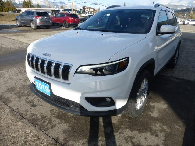 2019 Jeep Cherokee North (Stk: 46412L) in Creston - Image 1 of 17