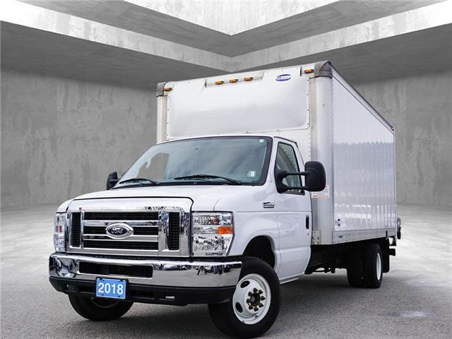 2018 Ford E-450 Cutaway Base (Stk: 9660A) in Penticton - Image 1 of 13