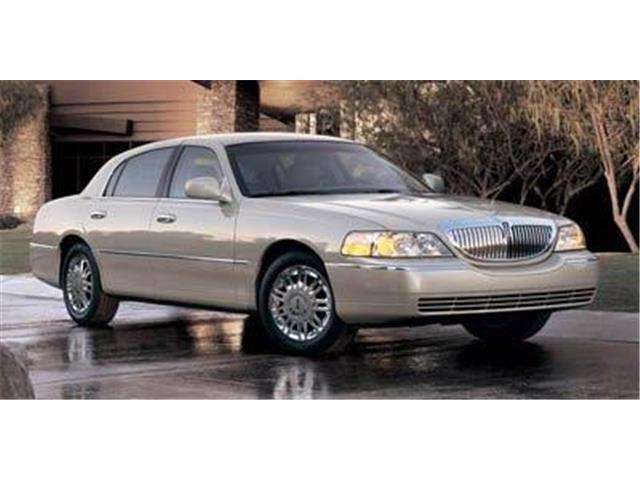 2007 Lincoln Town Car Signature L (Stk: 20375B) in Hanover - Image 1 of 1