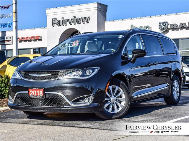 2018 Chrysler Pacifica Touring-L Plus (Stk: U17989) in Burlington - Image 1 of 30