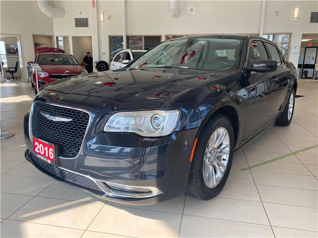 2016 Chrysler 300 Touring (Stk: 21071A) in Waterloo - Image 1 of 22