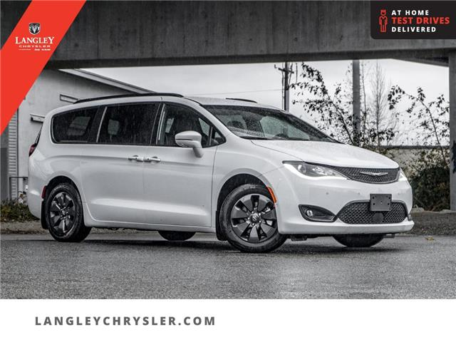 2020 Chrysler Pacifica Hybrid Limited (Stk: L289803) in Surrey - Image 1 of 23