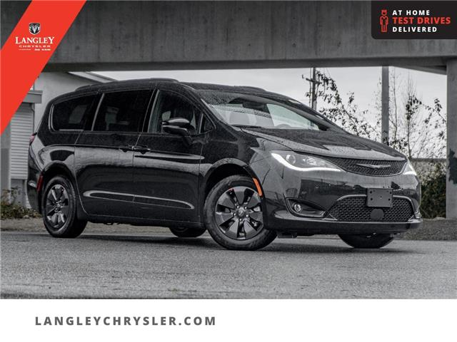 2020 Chrysler Pacifica Hybrid Limited (Stk: L289805) in Surrey - Image 1 of 24
