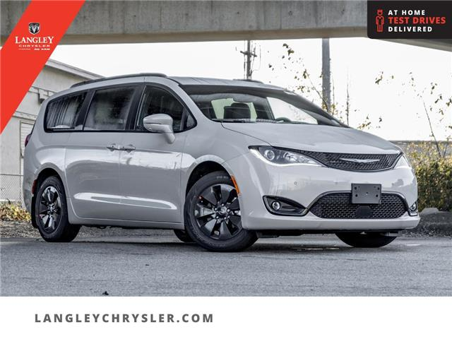 2020 Chrysler Pacifica Hybrid Limited (Stk: L289809) in Surrey - Image 1 of 26