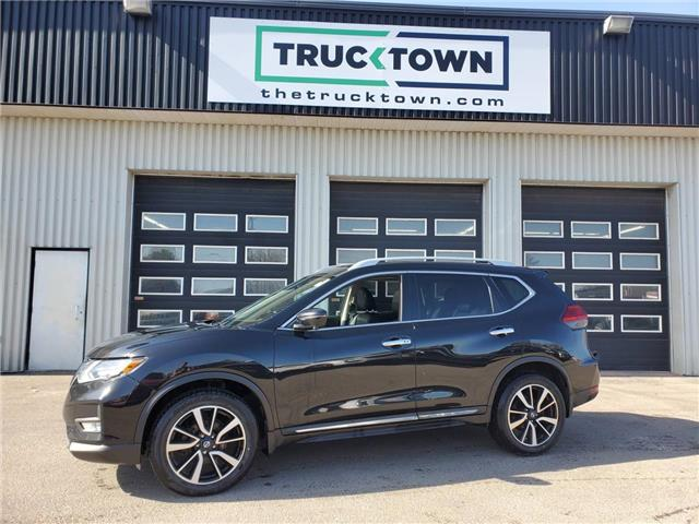 2017 Nissan Rogue SL Platinum (Stk: T0262) in Smiths Falls - Image 1 of 24